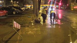 """Awaria na Międzynarodowej. """"Woda zalewała ulicę"""""""