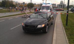 Śmiertelny wypadek w Wilanowie. Rowerzysta pod kołami volvo
