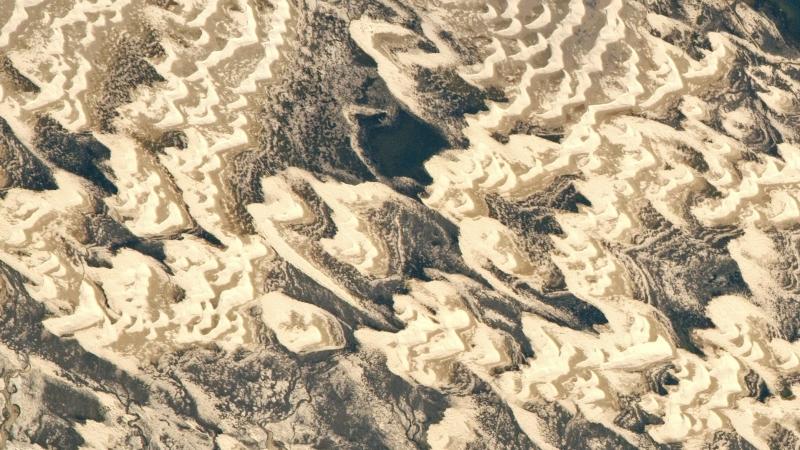 Piaskowe formacje u wybrzeży Brazylii (NASA/JSC Gateway to Astronaut Photography of Earth)