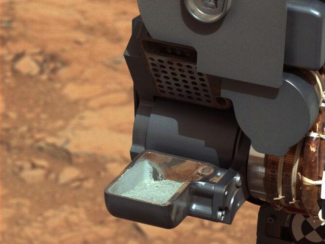 Proszek z Marsa wzbudził euforię. Curiosity szuka wilgoci