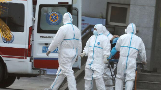 Wzrósł bilans ofiar śmiertelnych koronawirusa w Chinach. Blisko 300 zakażonych